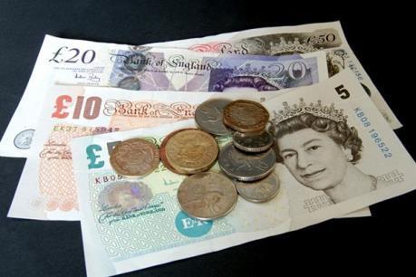 Đồng bảng Anh bất ngờ giảm 10% giá trị chỉ trong vài phút
