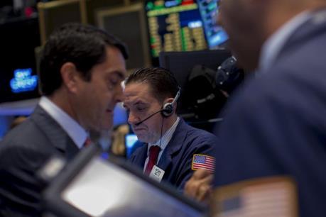 Chứng khoán Mỹ dứt chuỗi ba tuần tăng điểm liên tiếp