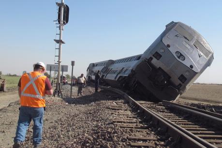 Mỹ: Tàu hỏa trật khỏi đường ray, hàng chục người bị thương