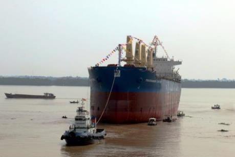 Công ty Đóng tàu Nam Triệu hạ thủy tàu hàng 56.200 tấn