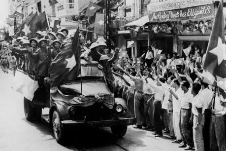 Kỷ niệm 62 năm giải phóng Thủ đô: Hà Nội ngày ấy - bây giờ