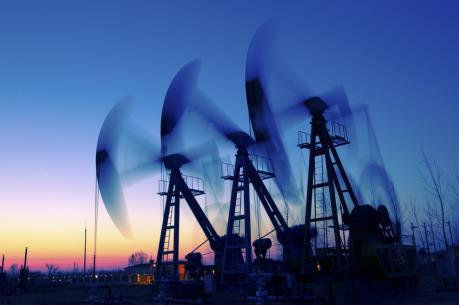 Giá dầu đi xuống sáng 10/10 trên thị trường châu Á