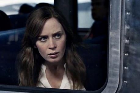 """Top 10 phim ăn khách: Cô gái bí hiểm """"vượt mặt"""" bản hùng ca nước Mỹ"""
