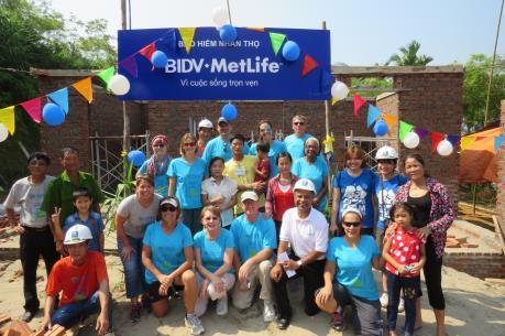 BIDV Metlife trao tặng 20 ngôi nhà cho các gia đình khó khăn tại Phú Thọ