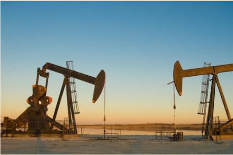 IEA: OPEC phải giảm sản lượng để giá dầu tăng bền vững