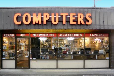 Doanh số máy tính cá nhân trên toàn cầu tiếp tục suy giảm