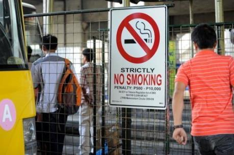 Philippines sắp ban hành lệnh cấm hút thuốc lá nơi công cộng