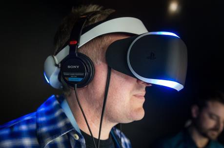 Sony bước vào cuộc đua thực tế ảo với kính PlayStation VR