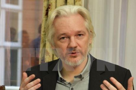 Hoãn phiên thẩm vấn nhà sáng lập WikiLeaks