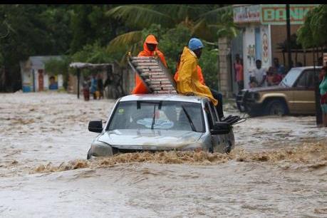 Viettel khắc phục sự cố sau bão Matthew ở Haiti
