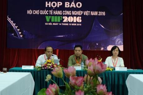 Hơn 200 doanh nghiệp tham gia Hội chợ quốc tế hàng công nghiệp Việt Nam 2016