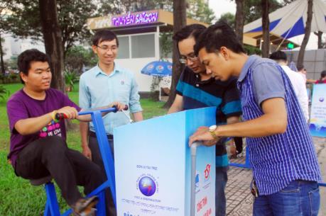 TP.HCM lắp 60 xe đạp tập thể dục kết hợp lọc nước dọc tuyến kênh Nhiêu Lộc – Thị Nghè