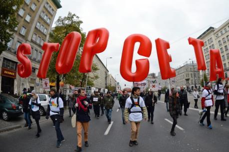 Hàng nghìn người biểu tình ở châu Âu phản đối thỏa thuận thương mại EU - Canada