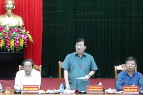 Phó Thủ tướng Trịnh Đình Dũng: Chủ động ứng phó bão số 7 với quyết tâm cao nhất