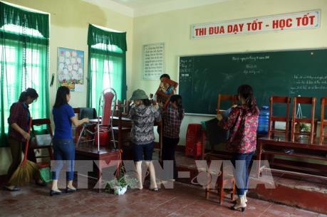 Hơn 300 trường tại Hà Tĩnh phải cho học sinh nghỉ học do mưa lũ