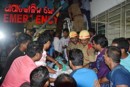 Cháy lớn tại một bệnh viện ở Ấn Độ, hàng chục người thương vong