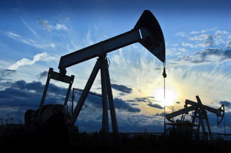 Giá dầu khởi sắc tại thị trường châu Á