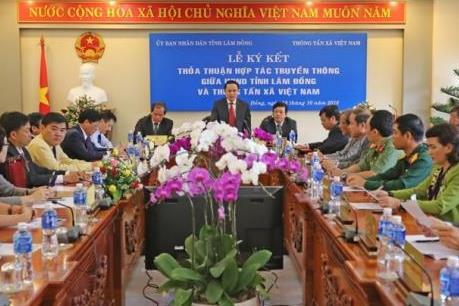 TTXVN ký kết hợp tác truyền thông với UBND tỉnh Lâm Đồng