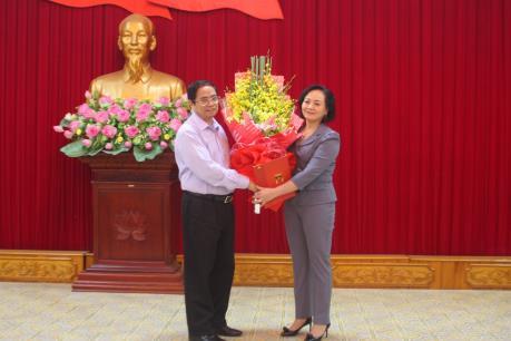 Trao Quyết định chuẩn y Bí thư Tỉnh ủy Yên Bái nhiệm kỳ 2015 - 2020
