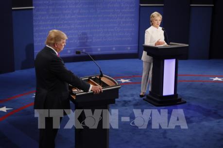 Bầu cử Mỹ 2016: Căng thẳng tới phút chót, bà Hilary Clinton được cử tri đánh giá tích cực