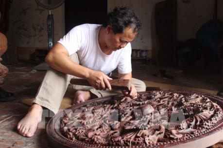 Gìn giữ tinh hoa nghề chạm khắc gỗ hơn 800 tuổi