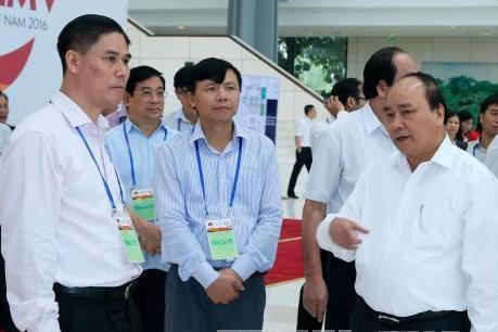 Thủ tướng Nguyễn Xuân Phúc kiểm tra công tác chuẩn bị cho ba hội nghị cấp cao tại Hà Nội