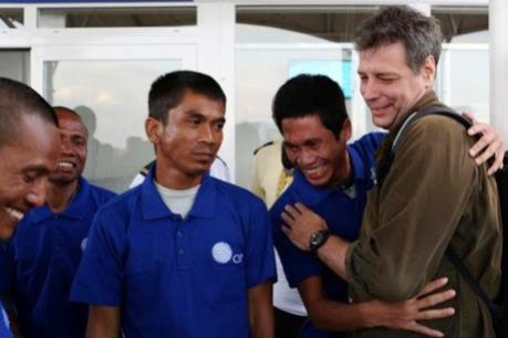Hỗ trợ thuyền viên bị cướp biển Somalia bắt cóc về nước