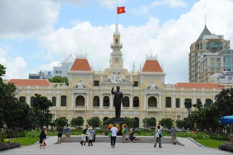 Thí điểm tăng cường phân cấp, ủy quyền cho UBND Thành phố Hồ Chí Minh