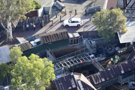 Lật ván trượt tại công viên giải trí Dreamworld Australia khiến 4 người thiệt mạng