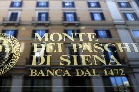 """Ngân hàng Italy cắt giảm hàng nghìn nhân công, """"khai tử"""" hàng trăm chi nhánh"""