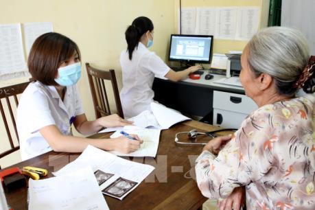 Có thể giãn điều chỉnh giá dịch vụ y tế của một số tỉnh, thành phố sang năm 2017