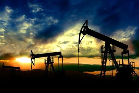 Giá dầu giảm sâu trong phiên 26/10