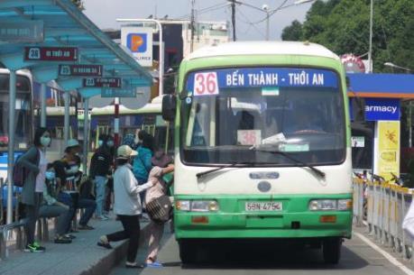 Điều tra vụ tài xế xe buýt tấn công người đi đường sau va chạm giao thông