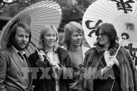 """Nhóm nhạc ABBA sắp """"tái xuất"""""""