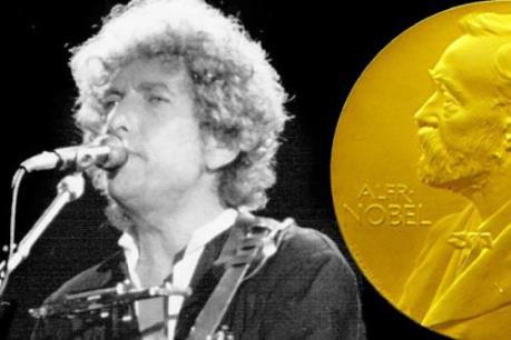 Chủ nhân của giải thưởng Nobel văn học đồng ý nhận giải thưởng