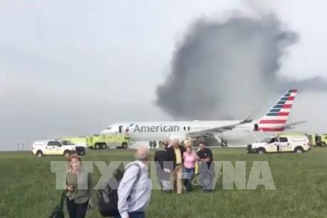 Vụ máy bay bốc cháy ở Mỹ: Số người bị thương tăng lên 20