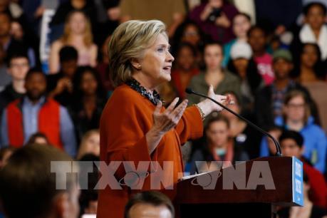"""Vì sao bà Hillary Clinton lại để thua ở những bang """"sân nhà""""?"""