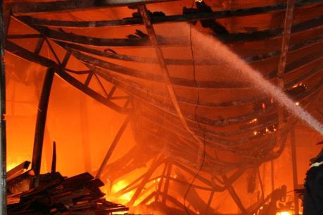 Bắc Giang: Vụ hỏa hoạn tại Công ty trách nhiệm hữu hạn Nhung Thức