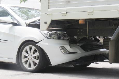Thừa Thiên - Huế: Tai nạn ô tô liên hoàn khiến 3 người thương vong