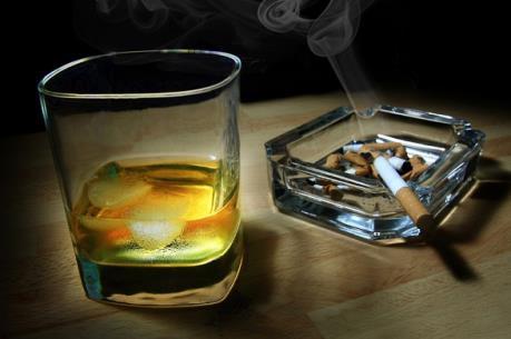 Một số thói quen làm tăng nguy cơ đột quỵ