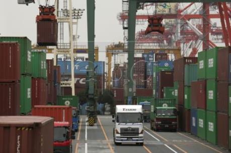 Kinh tế Nhật Bản xuất hiện nhiều dấu hiệu đáng ngại