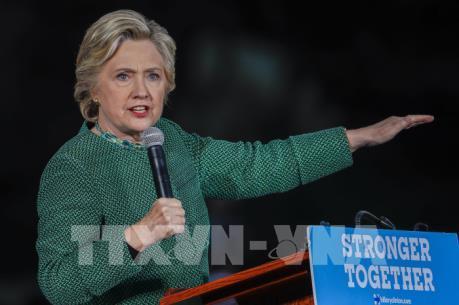 Bầu cử Mỹ 2016: Giới chuyên gia dự báo tác động từ các vụ việc của gia đình Clinton