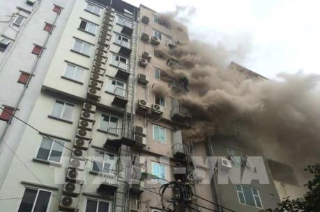 Vụ cháy lớn trên phố Trần Thái Tông: Cháy lan ra 7 - 8 nhà liền kề