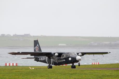 Anh: Tuyến đường bay ngắn nhất thế giới đón hành khách thứ 1 triệu