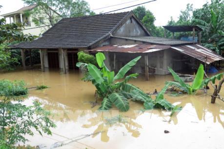 Quảng Trị: Hàng nghìn hộ dân bị ngập lụt