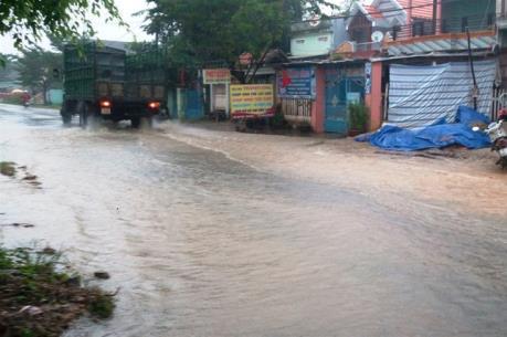 Quảng Nam: Mưa lớn gây sạt lở nặng trên tuyến Quốc lộ 40 B