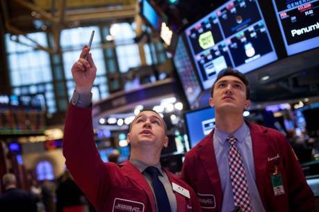 Chứng khoán Mỹ tiếp tục giảm khi Fed bắt đầu cuộc họp
