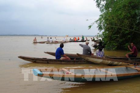 Lật đò tại Quảng Bình khiến một học sinh mất tích