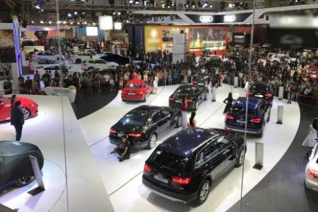 Gần 128.000 lượt khách tham quan Triển lãm ô tô quốc tế Việt Nam 2016