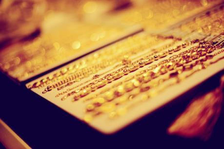 Giá vàng hôm nay 3/11 tăng thẳng đứng, vượt mốc 37 triệu đồng/lượng